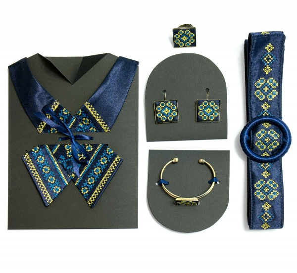 Комплект вишитих аксесуарів Росава