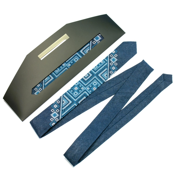 Вузька вишита краватка з льону Лозан