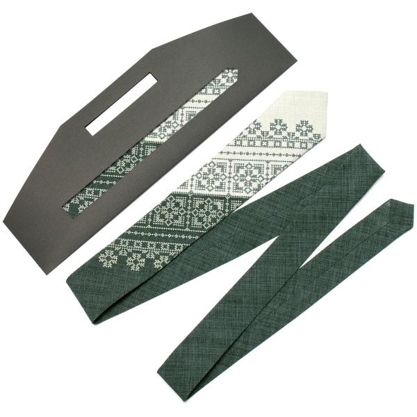 Вузька вишита краватка №622
