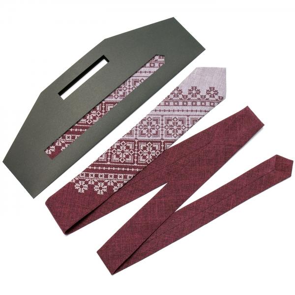 Вузька вишита краватка №623