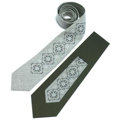 Вишита краватка Вепр