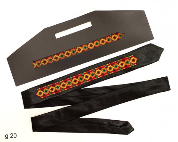 Вузький галстук з вишивкою Красун