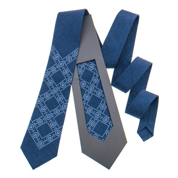 Класична краватка з вишивкою №845