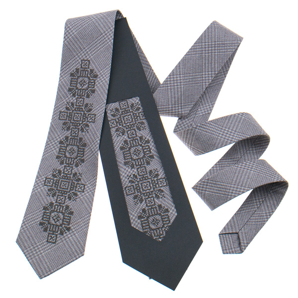 Класична краватка з вишивкою №915