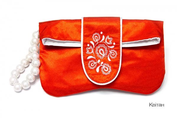 Клатч з вишивкоюі Квітан