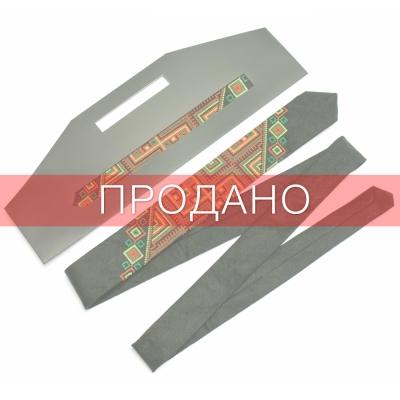 Вузька вишита краватка з льону Лихач