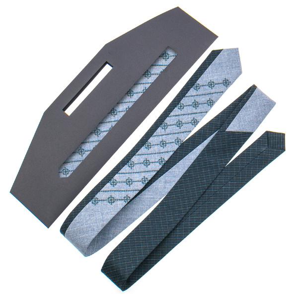 Оригінальна краватка з вишивкою №841