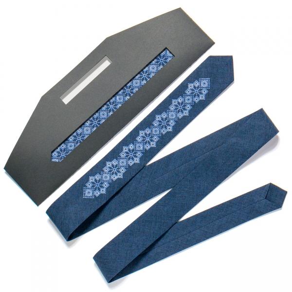 Тонка вишита краватка №720