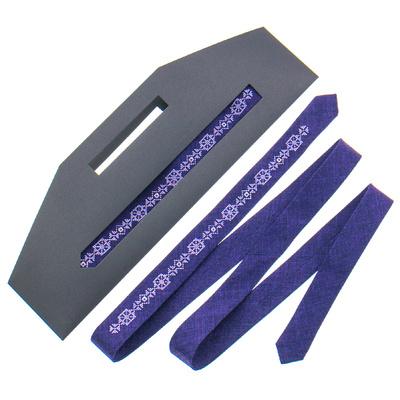 Тонка краватка з вишивкою №833