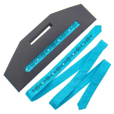 Тонка краватка з вишивкою №835