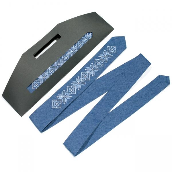Тонка джинсова вишита краватка №685