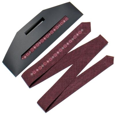 Вузька вишита краватка №763