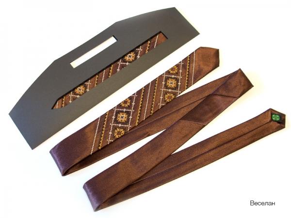 Вузький галстук з вишивкою Веселан