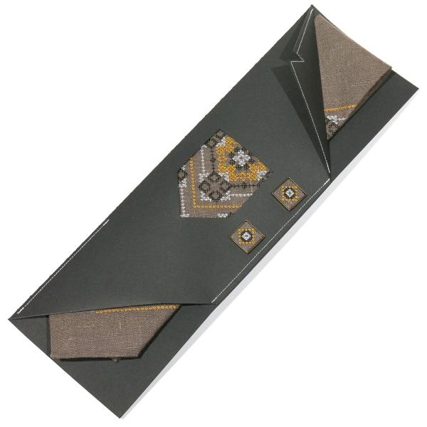 Вишитий набір з льону. Краватка із запонками №696