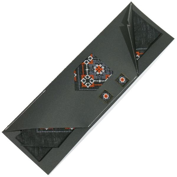 Вишитий набір з льону. Краватка із запонками №698