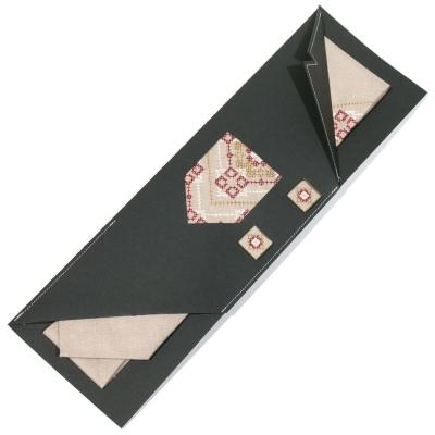 Вишитий набір з льону. Краватка із запонками №699