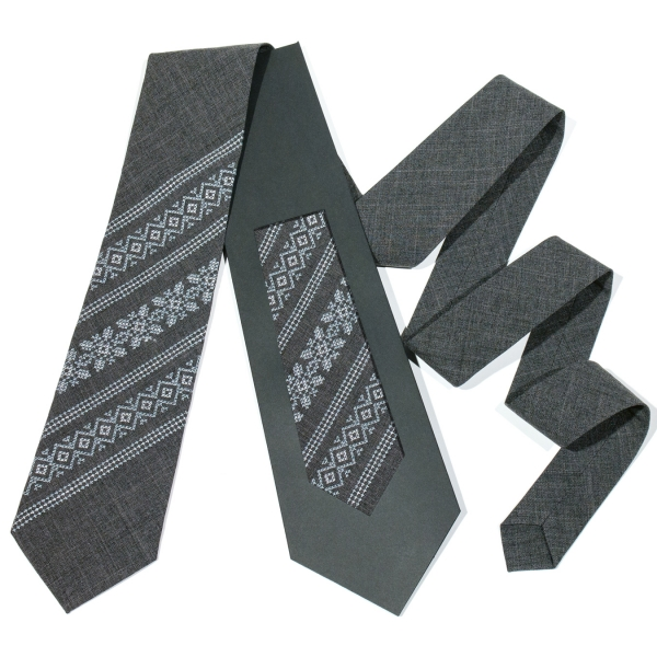 Модна вишита краватка №680
