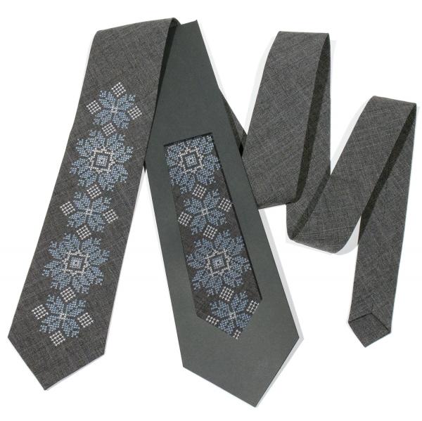 Модна вишита краватка №681