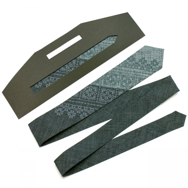 Вузька вишита краватка Дубок