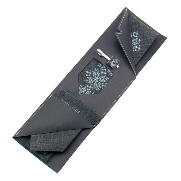 Вишита краватка з хустинкою та зажимом №854